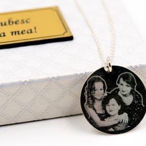 colier-argint-pandantiv-rotund-personalizat-gravura-foto